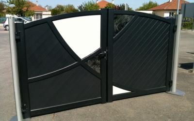 val automatismes 71 installateur de portails alu. Black Bedroom Furniture Sets. Home Design Ideas